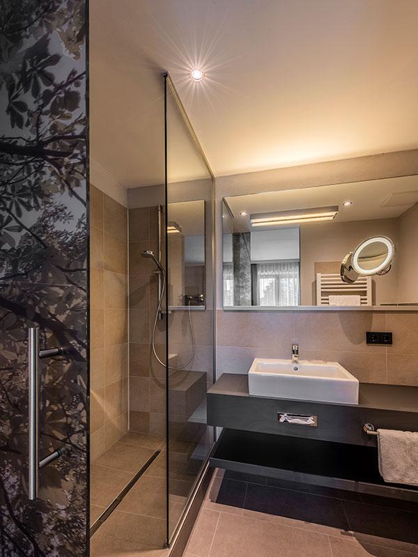 doppelzimmer bayerischer himmel im hotel ruhpoldinger hof. Black Bedroom Furniture Sets. Home Design Ideas